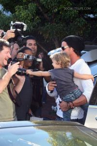 gallery_main-gwenstefani-family-fred-segal-photos-01182009-292